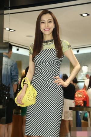 浪娱乐讯台湾女明星中,阿雅大S接连怀孕生子,获得大家的祝福,图片