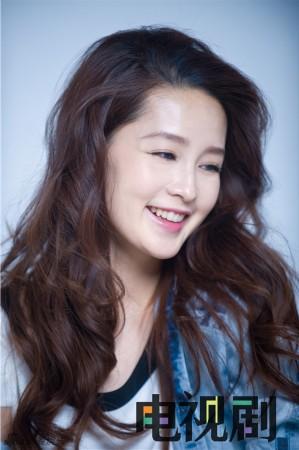 李沁最新杂志写真 鬼马表情可爱甜美(图)