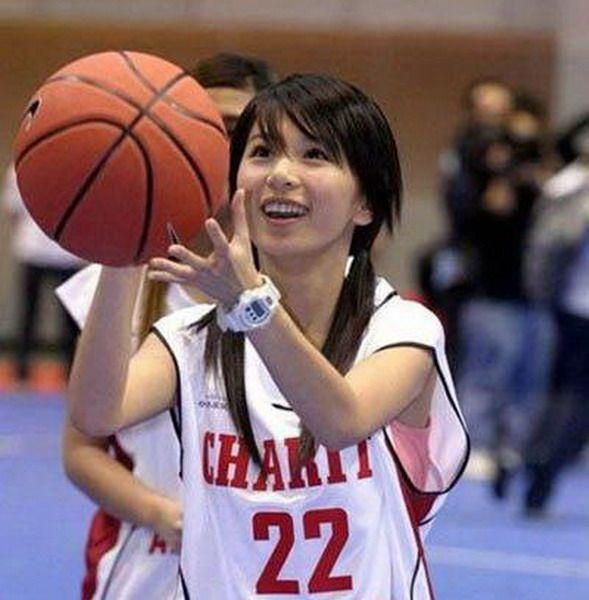 陈冠希阿娇领衔 娱乐明星爱篮球组图