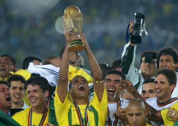 诸雄.马科斯是巴西国家队夺得2002年世界杯的主力门神,不过他的图片