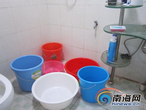 马桶不自动停水