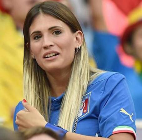 哥伦比亚美女球迷网页截图