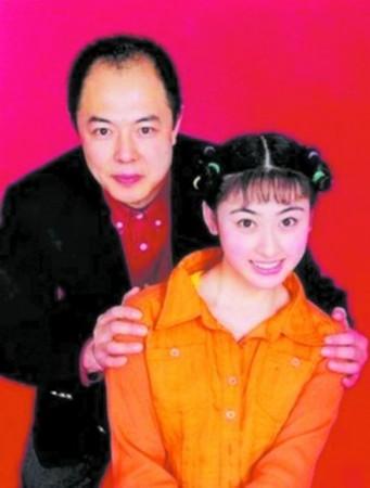 周华健老婆照片_明星异国情缘:蔡国庆三任外籍女友__海南新闻网_南海网