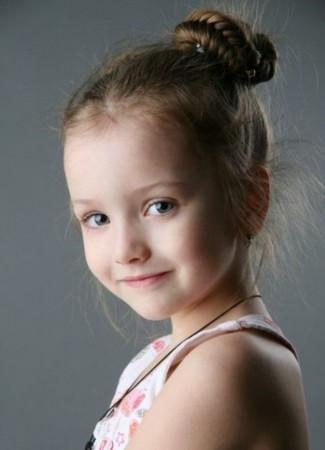 泰美混血小萝莉可爱爆红 盘点全球超美小萝莉