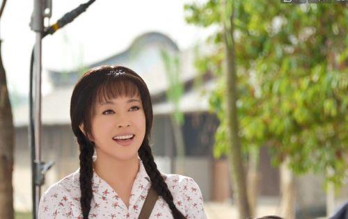 刘晓庆拍床戏激情上演