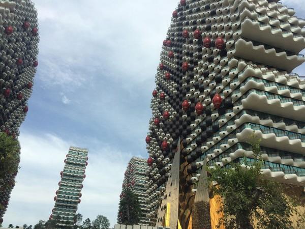 """海南现""""大树""""形状建筑 奇特造型格外亮眼"""