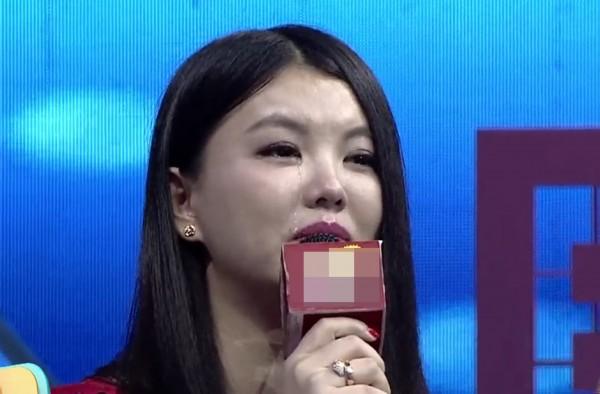 李湘携王诗龄参加节目情绪失控大哭原因 王诗