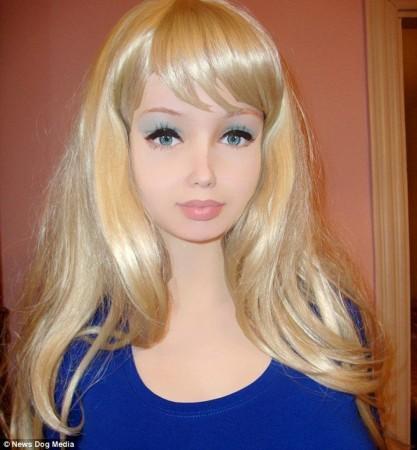 以假乱真的容貌.-乌克兰16岁真人芭比称从未整容 儿时照曝光