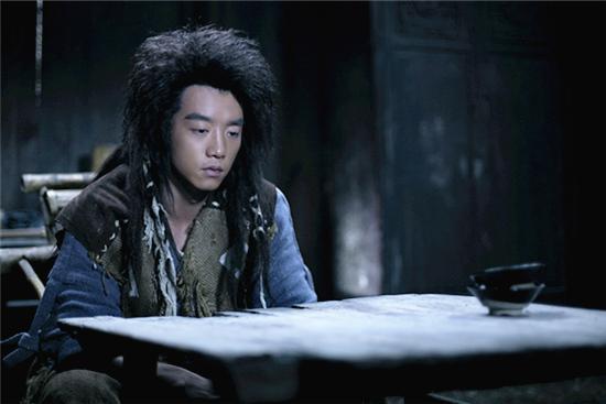 江湖论剑 持续发酵 郑恺表示不喜欢洒狗血