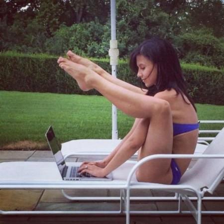 國外妹紙這么玩瑜伽,也是醉了。。