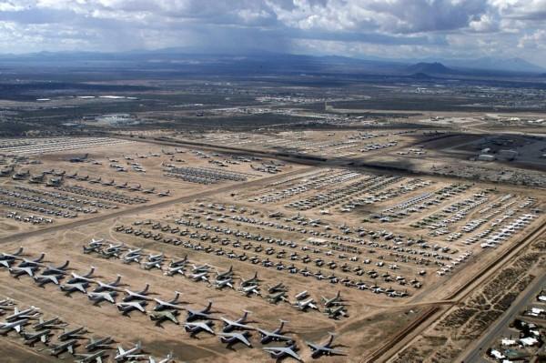"""戴维斯-蒙森空军基地是美国著名的""""飞机坟场"""""""