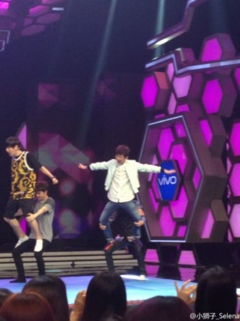EXO 快乐大本营 现场照 提吴亦凡集体飙泪