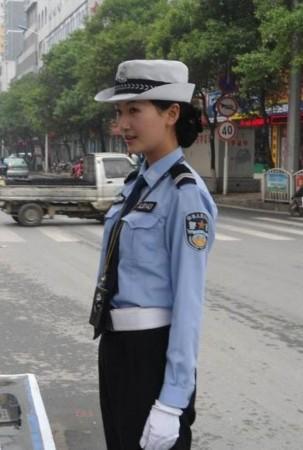 陕西美女交警爆红生活照个人资料被扒出