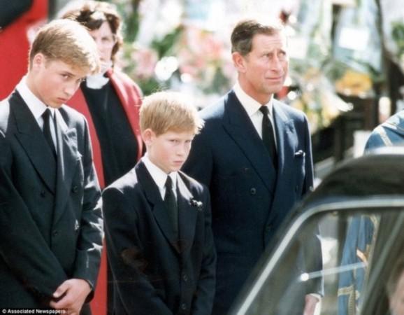 (图片来源:英国媒体)   1997年,哈里王子的母亲戴安娜王妃遭遇车祸