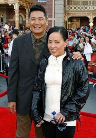 王刚的第一任妻子_刘文正的妻子的照片_刘文正近况妻子_费翔的妻子刘文正_刘文正