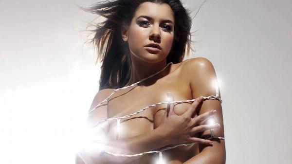 伊莫金·托马斯是一位威尔士模特和电视明星,她成名于2003年,并在图片