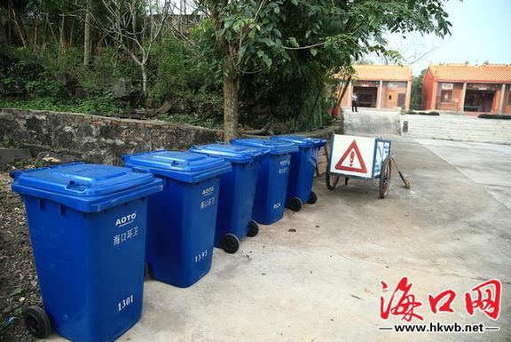 农村设置的垃圾桶