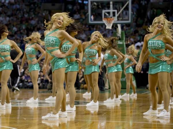 篮球拉拉队舞