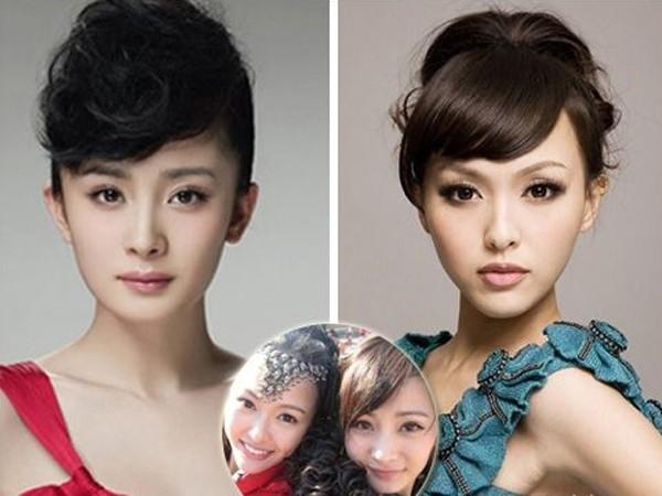 从《仙剑3》开始合作的两人在生活中也是好闺蜜,但古装造型下的合照感觉还略有不同,但换上同款的现代的造型,感觉就很相似了,看到一个就会想起另一个。这样的花苞头造型已经是很早起的造型了,杨幂的卷刘海盘发造型与唐嫣的斜刘海花苞头相比感觉更加前卫,死命秀锥子脸,感觉有点P过了吧。