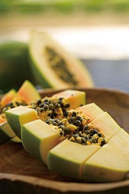 七彩海南熱帶水果:海南紅心木瓜清甜香濃軟滑多汁