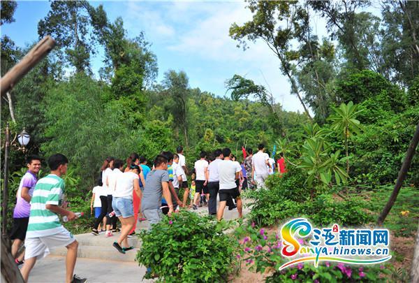 三亚临春岭森林公园免费开放每天吸引数千人观景