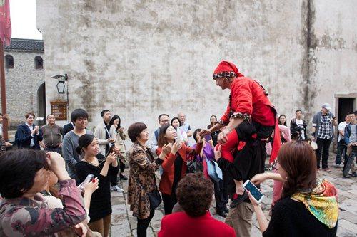 乌镇戏剧节:玩转嘉年华,你需要一双好腿
