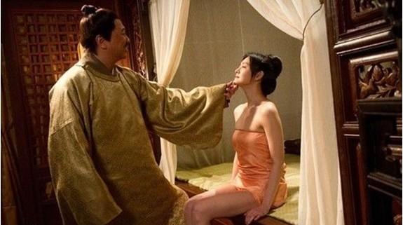 情色皇帝的淫梦7_细数伪情色电影 李冰冰成龙大尺度惊人遭禁