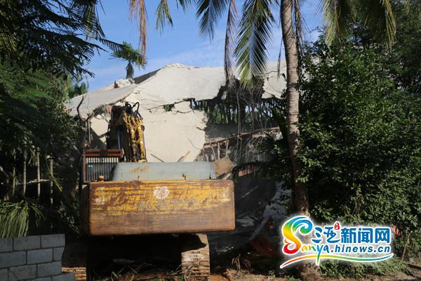 <b>三亚南丁村村民抢建7栋楼被拆总面积1970平米</b>