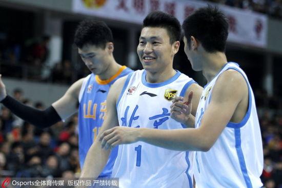 山东李根雨蝶_记者陈月泽北京报道也许是因为主场轻取山东的比赛过于轻松,李根