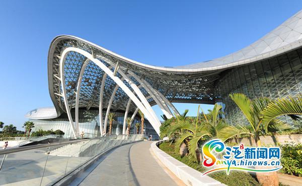 海棠湾免税购物中心应对三亚旅游旺季定制精品优惠套餐