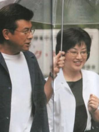 三浦友和谈与山口百惠恩爱秘诀 一起看综艺节目图片