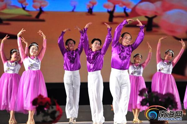 """江西""""俏姨爹""""期盼年年都来海南参加健身舞赛"""