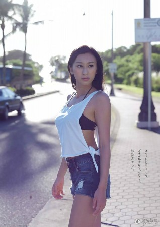 浅田真央姐姐写真曝光 f罩杯曲线撩人-新闻中心-南海网