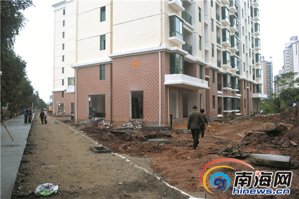 瓊海居民樓未通消防驗收就交房業主裝修被收保護費