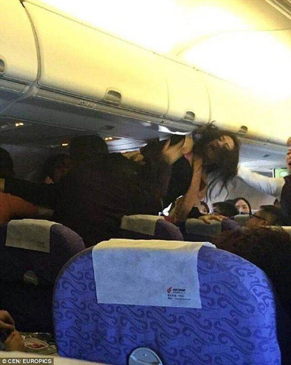 殴打插队中国游客