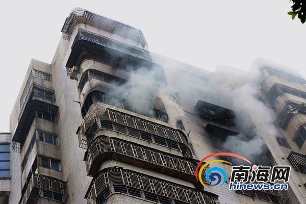 海口海景湾花园14层住户家中发生火灾无人伤亡