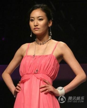 李承铉妹妹去世貌美似张娜拉 揭年... 演员金石圭被发现在家里上吊自杀...