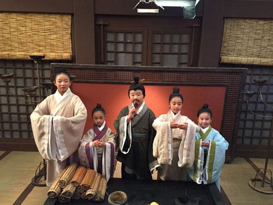 电影少儿之旅传播《孔融让梨》表演中华文化无敌电影网红海图片