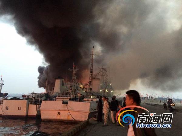 儋州白马井渔船着火现场火光冲天一人失踪