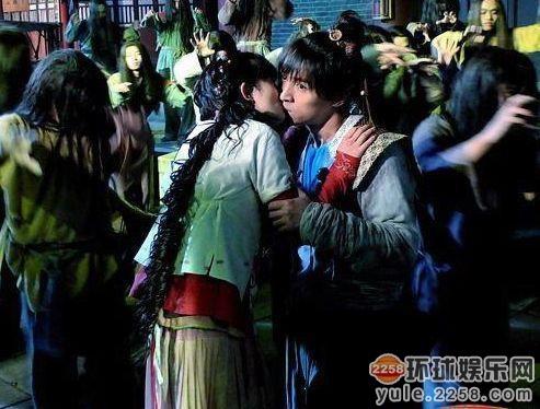 雷人吻戏集锦 刘凯威把颖儿嘴唇啃破了杨幂知道吗