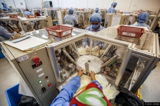 揭秘鲜为人知的套套生产线 - 超人 - xji630203525700水上人