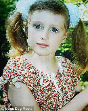 幼时的茱莉亚-文斯