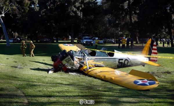 哈里森·福特驾驶小型飞机坠毁受重伤