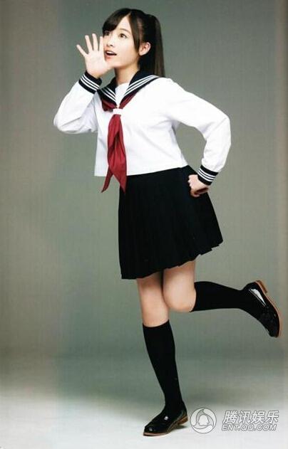 日本千年美女着性感黑裙