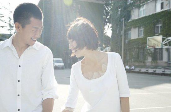 分手后复合的图片_谢霆锋王菲为什么3度分手复合接吻照片曝光情