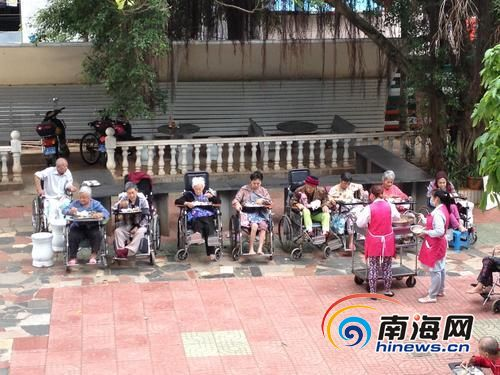 失能老人护理如何破题?2019年海南或发失能老人补贴