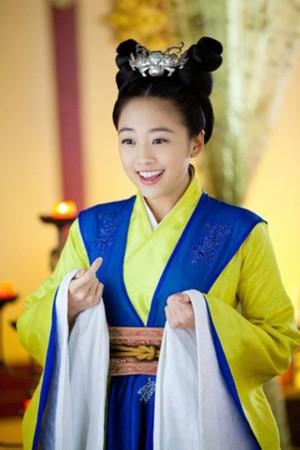 赵丽颖杨蓉林依晨 盘点演古装很美的娃娃脸明星