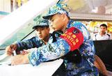 三沙雷锋班服务海岛居民