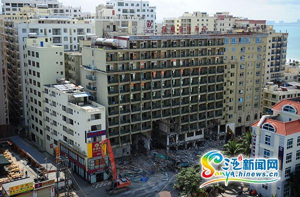 三亞1.6萬平方米違建鳳凰豪生海岸酒店被拆除