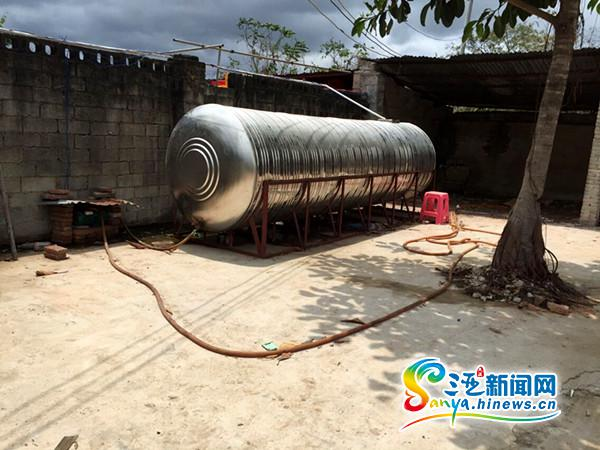 <b>三亚吉阳区取缔一非法储油窝点查获45吨柴油</b>
